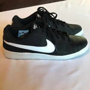Black Nike Court Royale Size 8.5